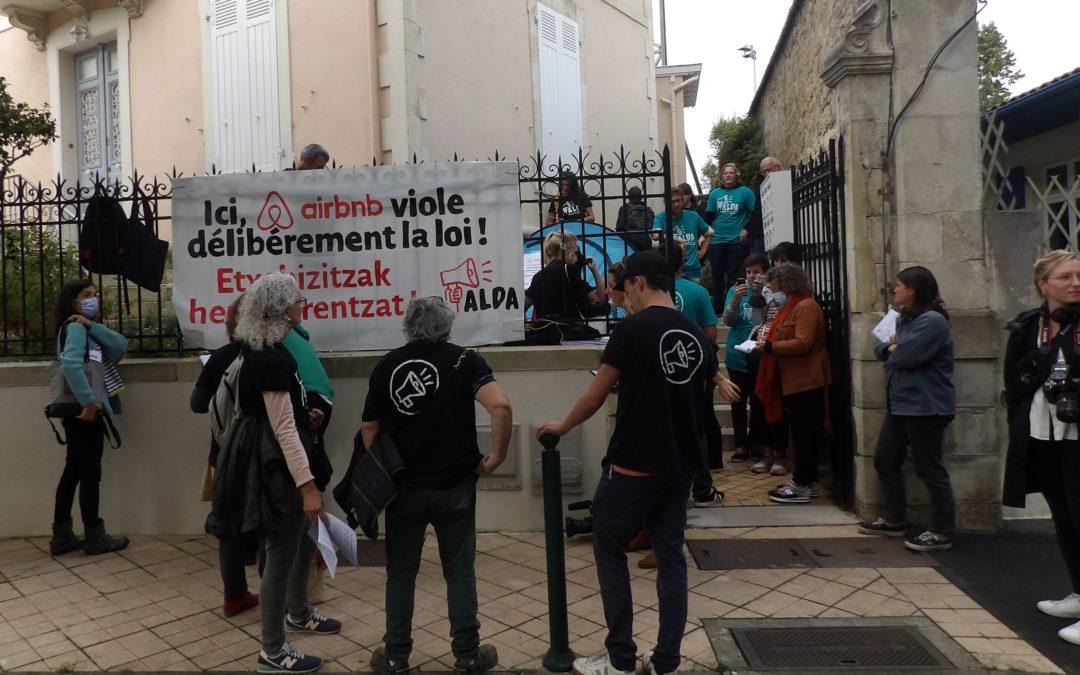 Ekintza berria Biarritzen: Aldak salatzen du Airbnb eta konpainiak,  Iparraldean nahitara daramaten iruzur masiboa